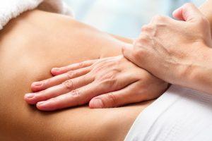 Tuina Massage auch für Kinder und Babys - TCM PRAXIS NATURHEILPRAXIS IM ZENTRUM RÖSSLI KARIN SANDMAIER Ochsenweg 1, 5018 Erlinsbach AG Telefon: 062 530 14 16 info@akupunktur-heilkraeuter.ch