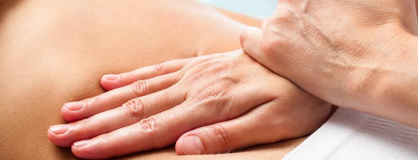Tuina Massage auch für Kinder und Babys - NATURHEILPRAXIS IM ZENTRUM RÖSSLI  KARIN SANDMAIER Ochsenweg 1 5018 Erlinsbach AG  Telefon: 062 530 14 16 info@akupunktur-heilkraeuter.ch
