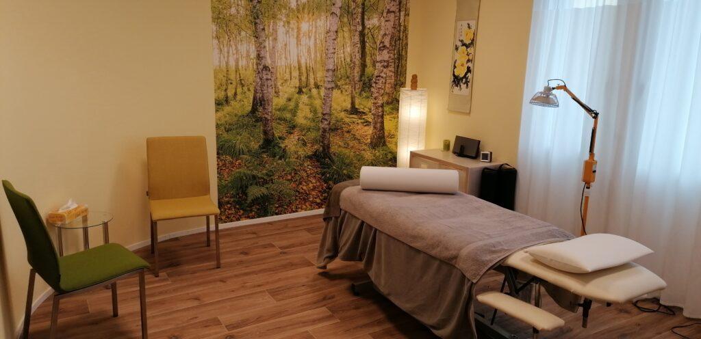 Behandlungsraum Naturheilpraxis im Rössli in Erlinsbach TCM, Tuina + Anmo Massage Schweiz